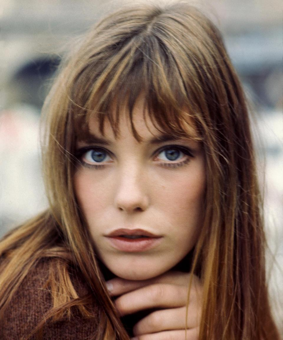 "<h3>Jane Birkin<br></h3><br>Just got new <a href=""https://www.refinery29.com/en-us/2020/09/10035212/curtain-bangs-tik-tok-trend"" rel=""nofollow noopener"" target=""_blank"" data-ylk=""slk:face-framing fringe"" class=""link rapid-noclick-resp"">face-framing fringe</a>? Then, you won't have to do much to pay homage to one of fashion's finest. Obviously, bangs are a must for this one. <a href=""https://www.refinery29.com/en-us/high-waist-jeans"" rel=""nofollow noopener"" target=""_blank"" data-ylk=""slk:High-waisted jeans"" class=""link rapid-noclick-resp"">High-waisted jeans </a>are also strongly encouraged.<span class=""copyright"">Photo: REPORTERS ASSOCIES/Gamma-Keystone/Getty Images.</span>"
