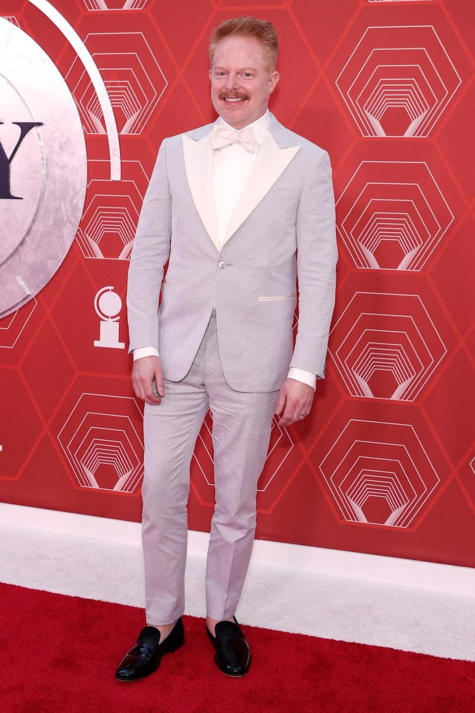 <p>The <em>Modern Family </em>actor wore a non-traditional tux, choosing a grey and cream ensemble. </p>