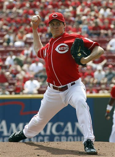 Cincinnati Reds starting pitcher Homer Bailey throws against the Chicago Cubs during the first inning of a baseball game Thursday, May 3, 2012, in Cincinnati. (AP Photo/David Kohl)