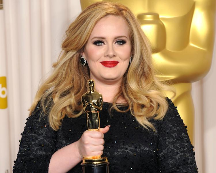 WATCH: Adele Returns To Stage With Stunning 'Skyfall' Performance At Oscars