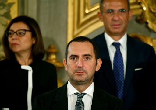 Sports Minister Vincenzo Spadafora (centre) has given the green light for Serie A to resume on June 20