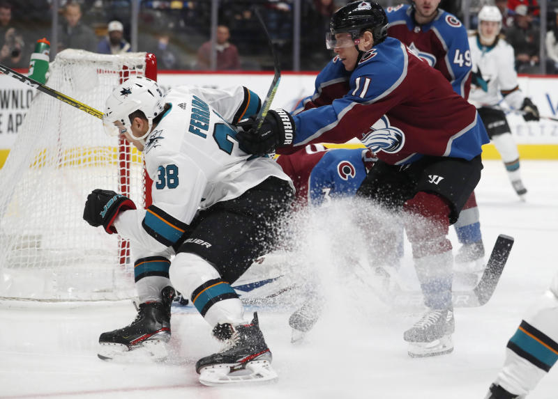 Avalanche Ride 3-Goal 2nd Period to 5-3 Win Over Blues