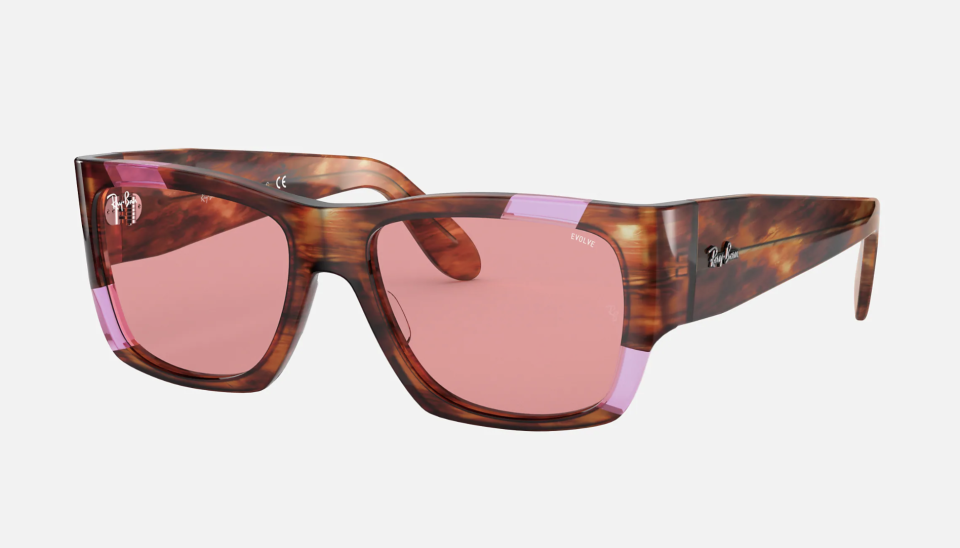 NOMAD PINK FLUO. Foto: ray-ban.com