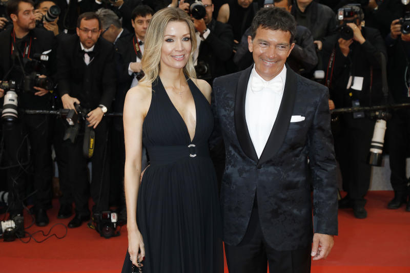 "Nicole Kimpel and Antonio Banderas at the screening red carpet for ""Pain And Glory (Dolor Y Gloria/Douleur Et Gloire)"" during the 72nd Cannes Film Festival at the Palais des Festivals on May 17, 2019 in Cannes, France. (Photo by: P. Lehman) (Photo credit should read P. Lehman / Barcroft Media via Getty Images)"