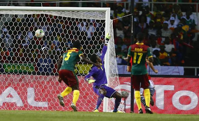 Football Soccer - African Cup of Nations - Final - Egypt v Cameroon - Stade d'Angondjé - Libreville, Gabon - 5/2/17 Egypt's Mohamed Elneny scores their first goal Reuters / Amr Abdallah Dalsh Livepic