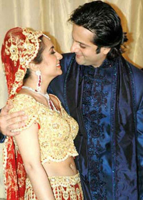 "<div class=""heading03""><b>3. Fardeen Khan and Natasha Madhvani</b></div> <p> Once a heartthrob of many girls, Fardeen Khan married his childhood love  Natasha Madhvani in a typical grand 'Khan' style. Natasha is daughter  of yesteryear actress Mumtaz and Fardeen, as all know, is a son of late  veteran actor Firoz Khan. This marriage has a 'Picture Perfect' plot of  how children of onscreen lovers (Mumtaz-Firoz) fall in love with each  other in real life.</p>"