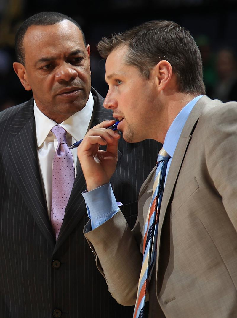 Grizzlies promote Dave Joerger to replace Hollins