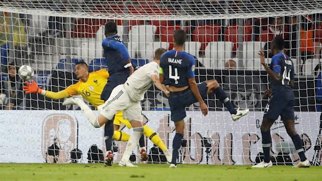 The Blues' goalkeeping coach believes that the 25-year-old should be ahead of Hugo Lloris in the national team pecking order