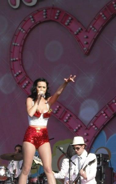 Katy Perry performs on the 4Music stage at V Festival 2009 (Courtesy of author)