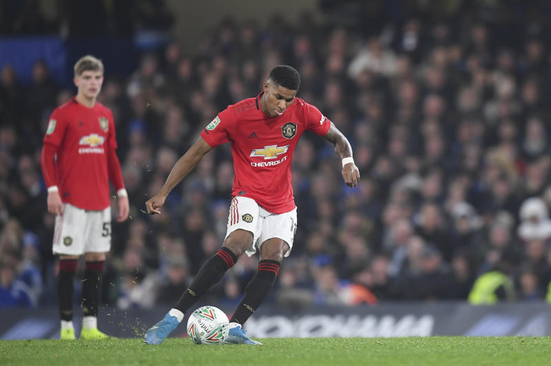 LONDON, ENGLAND - OCTOBER 30: Marcus Rashford of Manchester United scores the winning goal to make it 2-1 during the Carabao Cup Round of 16 match between Chelsea and Manchester United at Stamford Bridge on October 30, 2019 in London, England. (Photo by Michael Regan/Getty Images)