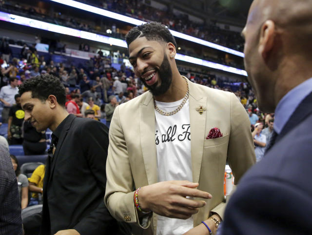 Anthony Davis has narrowed his list of preferred teams. (AP Photo/Scott Threlkeld)