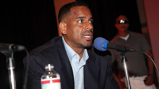 "Former All-Star <a class=""link rapid-noclick-resp"" href=""/ncaaf/players/254621/"" data-ylk=""slk:Jayson Williams"">Jayson Williams</a> has some great '90s NBA stories. (Getty Images)"