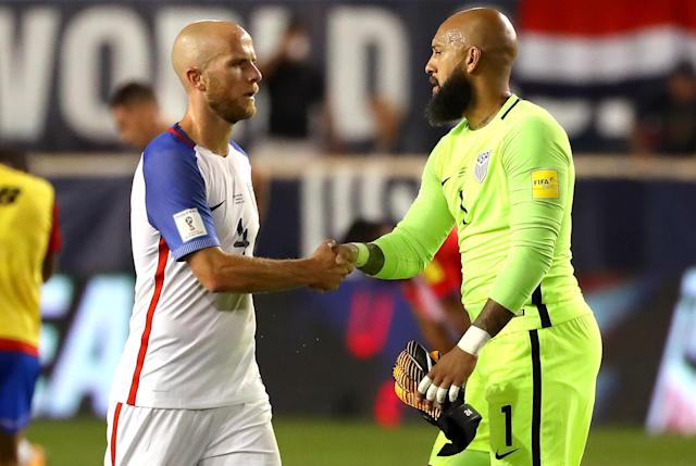 "<a class=""link rapid-noclick-resp"" href=""/soccer/players/michael-bradley"" data-ylk=""slk:Michael Bradley"">Michael Bradley</a> and <a class=""link rapid-noclick-resp"" href=""/soccer/players/tim-howard/"" data-ylk=""slk:Tim Howard"">Tim Howard</a> both expressed confidence in the U.S.'s World Cup chances, even after a qualifying loss to Costa Rica. (Getty)"