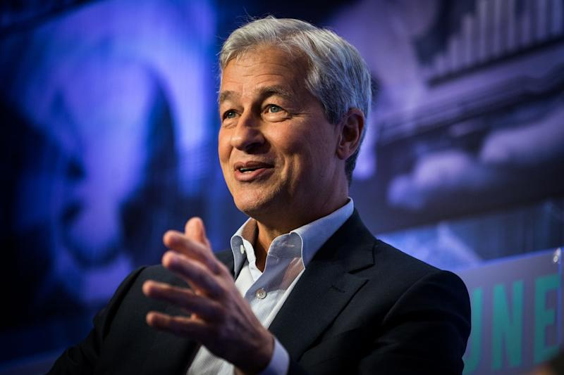Jamie Dimon Quickly Backtracks on Bragging He Could Beat Trump