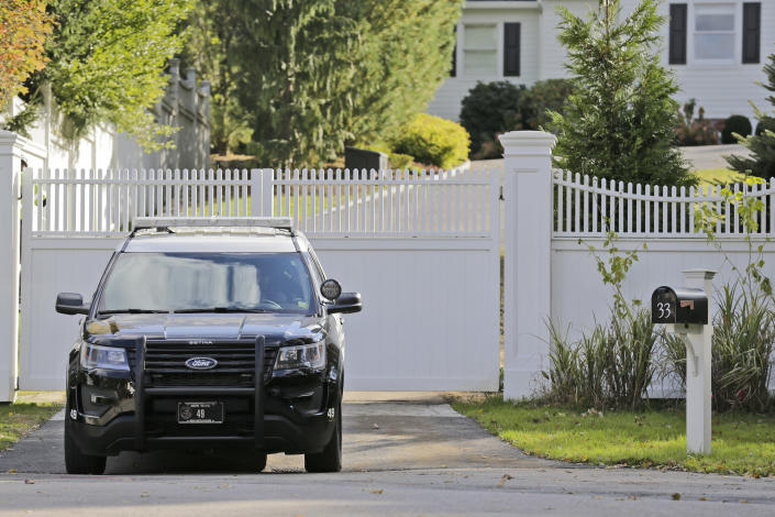"""<p>A police car is parked in front of property owned by the Hillary and Bill Clinton in Chappaqua, N.Y., Wednesday, Oct. 24, 2018. A U.S. official says a """"functional explosive device"""" was found at the Clinton's suburban New York home. (Photo: Seth Wenig/AP) </p>"""
