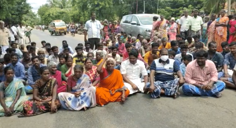 Opposition parties too have joined in protests across the state.