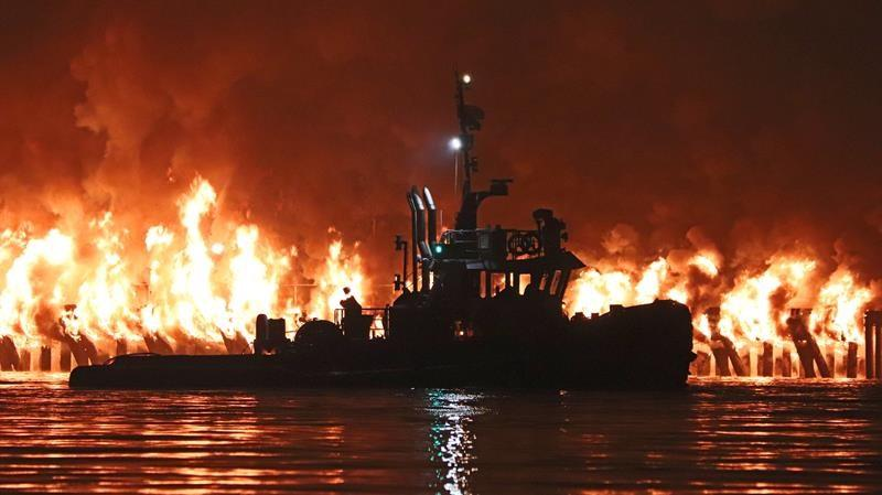 Suspected arsonist faces charges after pier fire in New Westminster, B.C.