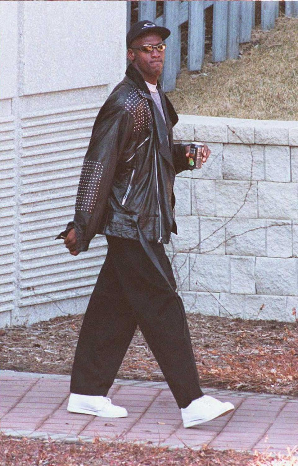 <p>Well, damn! Michael wore this edgy leather jacket look while leaving a Chicago Bulls practice in 1995.</p>