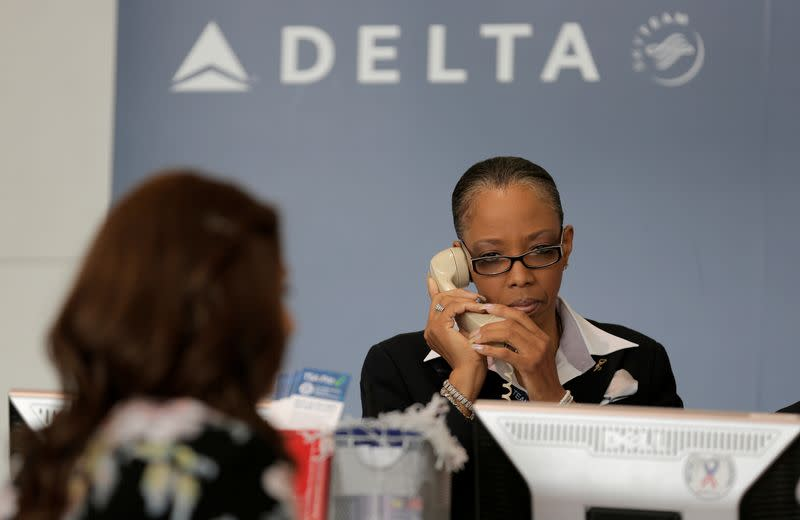 United CEO apologizes before Congress as lawmakers