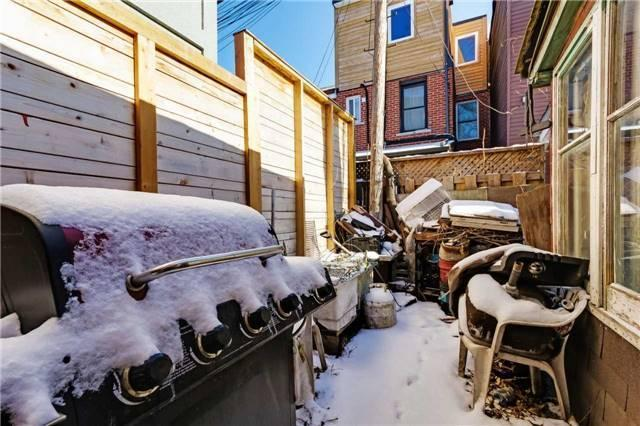 """<p><a href=""""https://www.zoocasa.com/toronto-on-real-estate/5038685-157-claremont-st-toronto-on-m6j2m7-c4023639"""" rel=""""nofollow noopener"""" target=""""_blank"""" data-ylk=""""slk:157 Claremont St., Toronto, Ont."""" class=""""link rapid-noclick-resp"""">157 Claremont St., Toronto, Ont.</a><br> Outside, you'll find enough space to enjoy some summer barbecues.<br> (Photo: Zoocasa) </p>"""