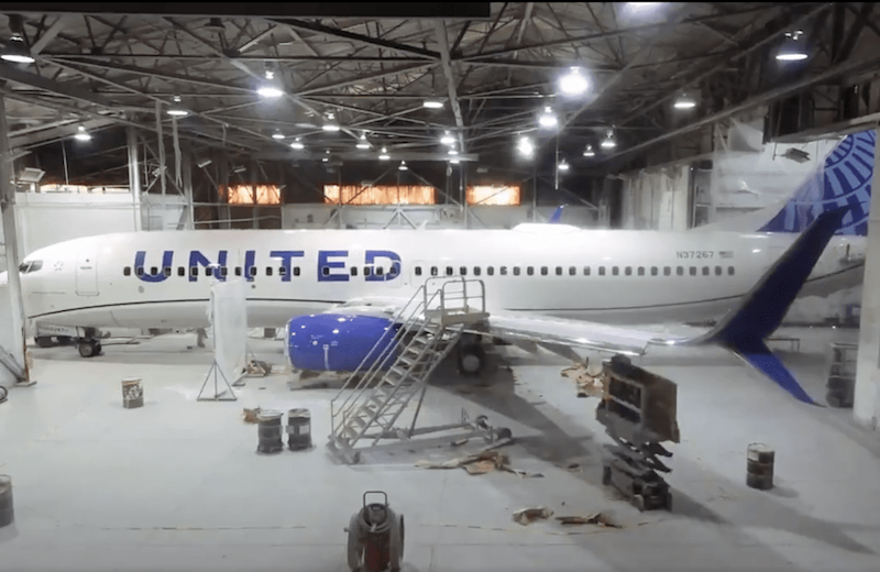 United Airlines Unveils New Paint Scheme