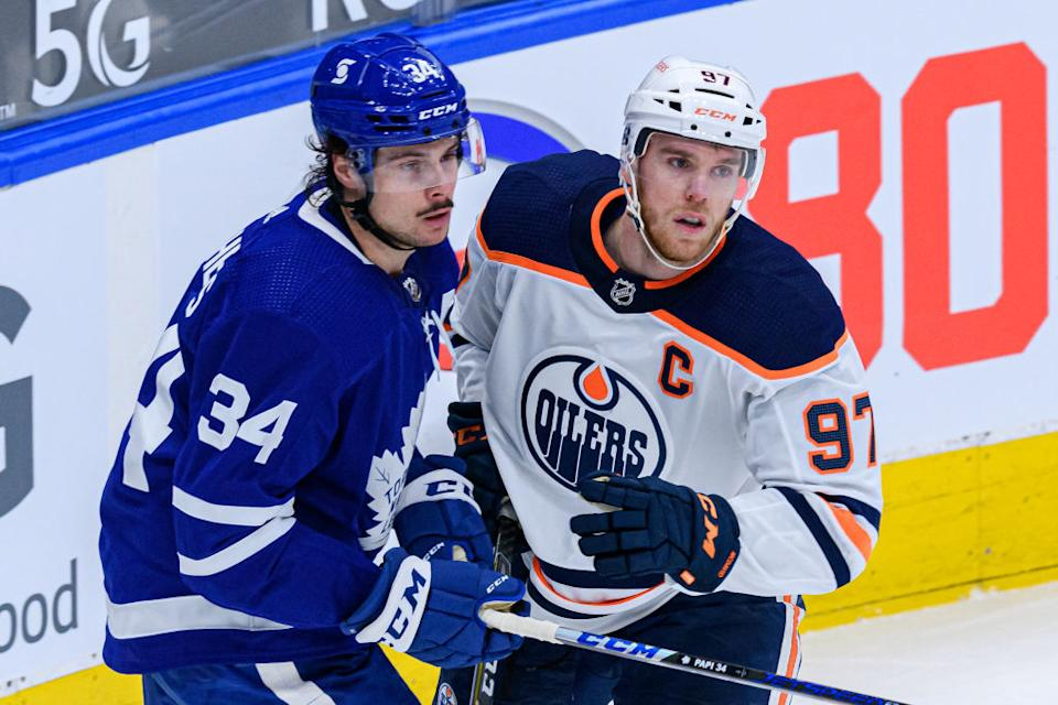 Here's what you need to know if you plan on making a sports wager in Canada as the laws officially loosen up on Friday. (Getty)