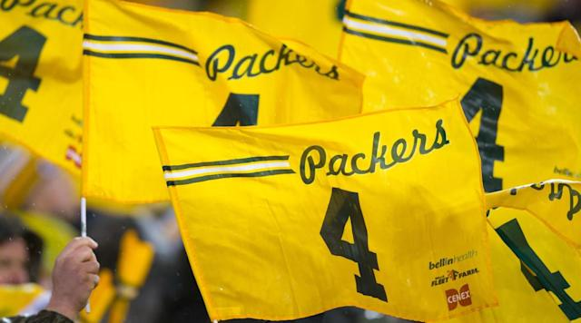 Book excerpt: Brett Favre's debut game with the Packers