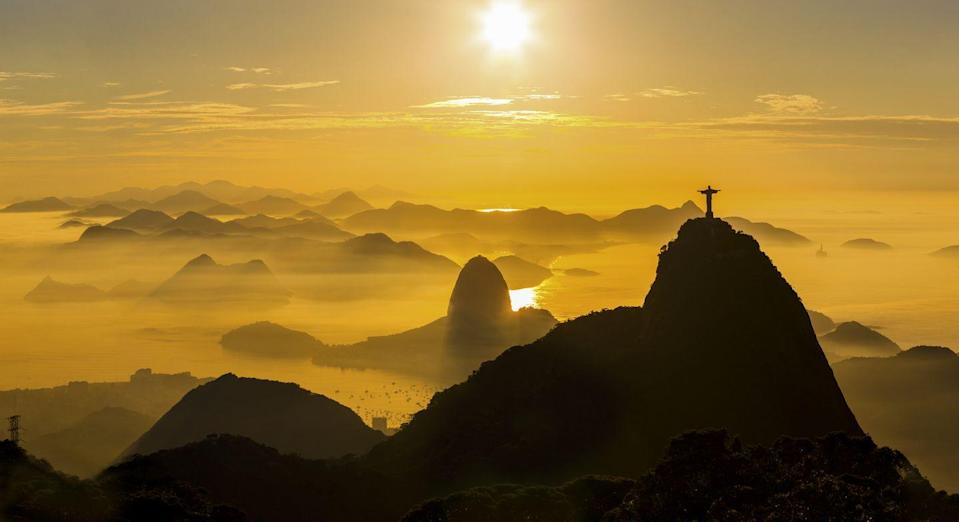 <p>The unforgettable Christ the Redeemer statue in Rio de Janeiro greets a new day. </p>