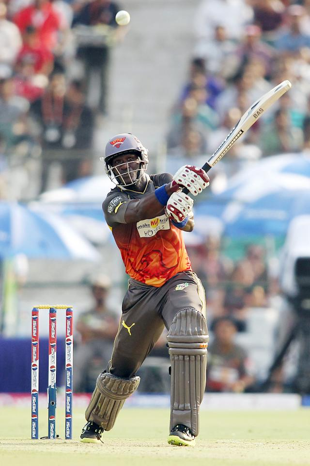 Darren Sammy of Sunrisers Hyderabad hits over the top during match 36 of the Pepsi Indian Premier League (IPL) 2013 between The Rajasthan Royals and the Sunrisers Hyderabad held at the Sawai Mansingh Stadium in Jaipur on the 27th April 2013. (BCCI)