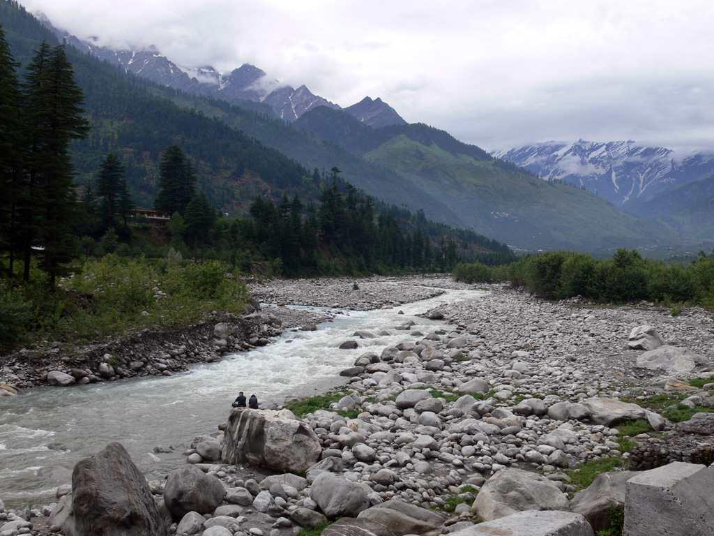"<b>10. Manali </b><br><br>Charming, alluring and memorable. Manali is defined by its natural beauty, its warm and friendly locals and the quality to welcome and embrace everyone, especially couples. The weather adds to Manali's natural charm and a romantic holiday to this place will be nothing short of memorable. Ashoka from Dehradun adds and says, ""It is a nice place to visit and enjoy the snow. Rohtang and Solang should be visited. It's a place where there is something for everyone."""