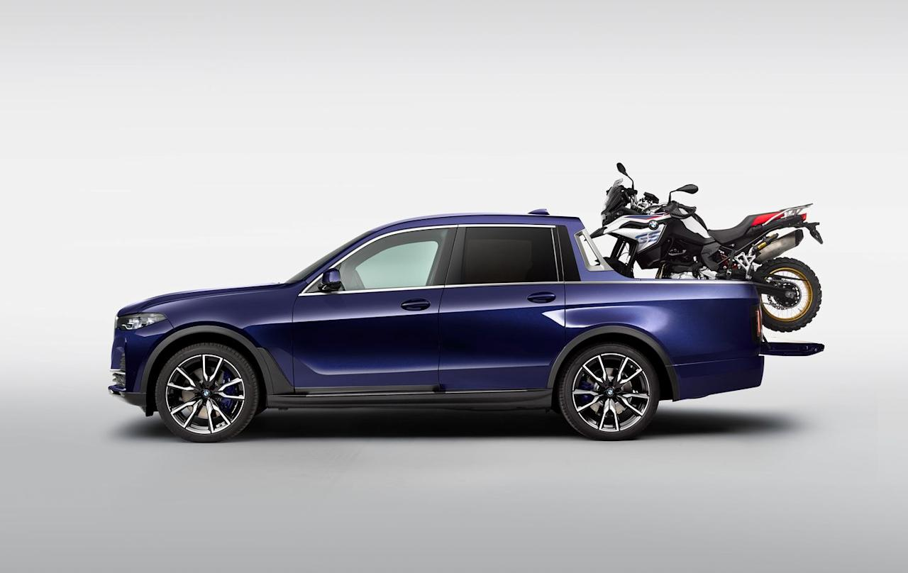View Photos of the BMW X7 Pickup Concept