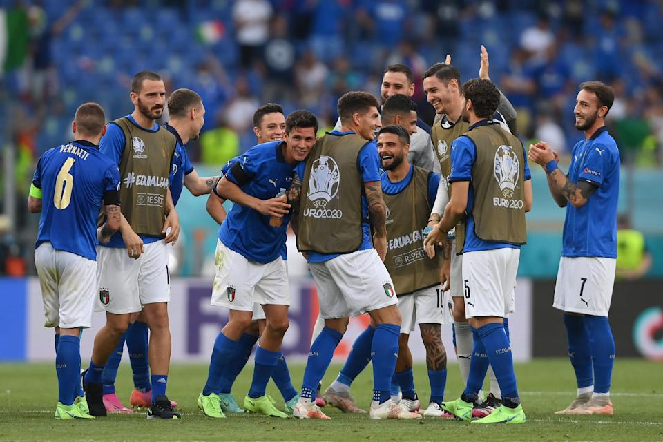 ROME, ITALY - JUNE 20: Leonardo Bonucci, Matteo Pessina and Lorenzo Insigne of Italy celebrate with team mates their side's victory after the UEFA Euro 2020 Championship Group A match between Italy and Wales at Olimpico Stadium on June 20, 2021 in Rome, Italy. (Photo by Mike Hewitt/Getty Images)