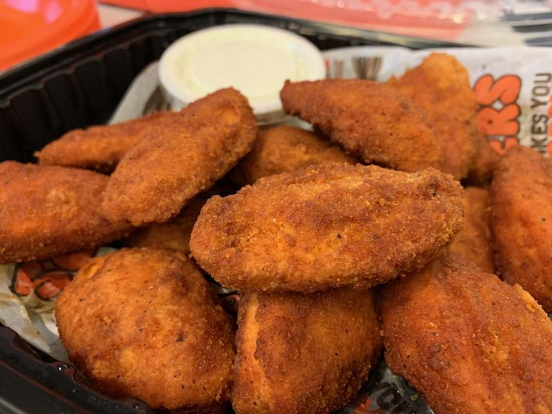 We tried Hooters' new meatless wings, and here's our honest review