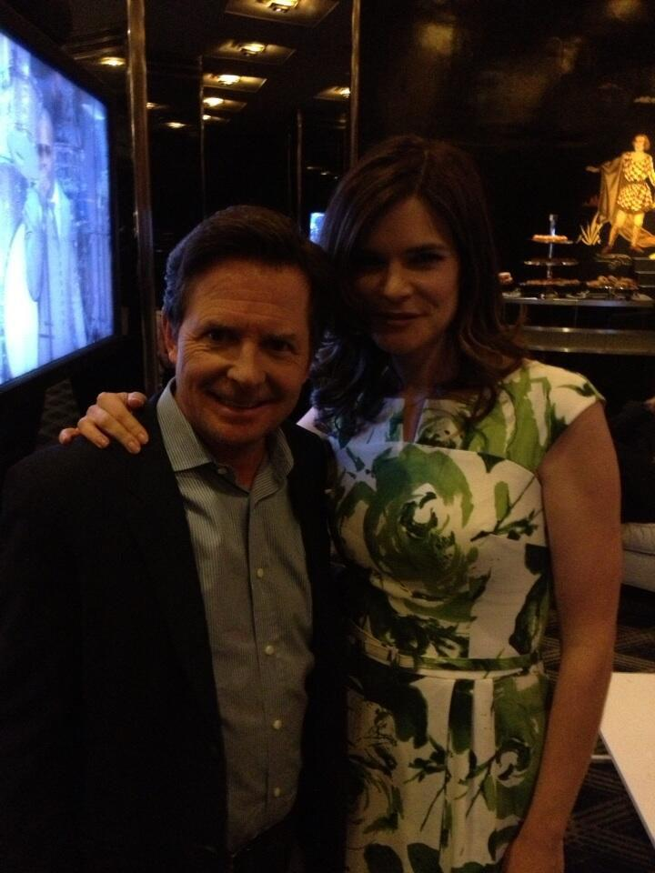 Me and my TV wife, Betsy Brandt. We're getting along. pic.twitter.com/YFf8RLuzzm