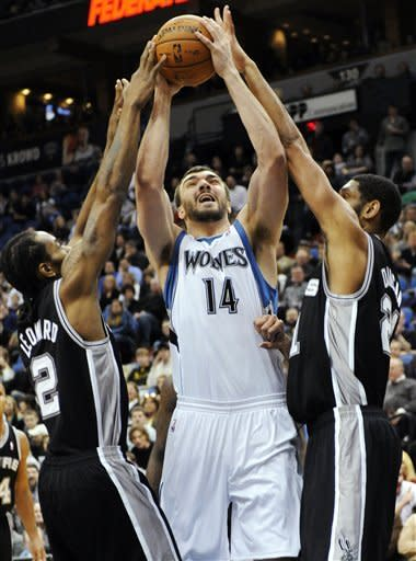 Rubio lifts Timberwolves to 87-79 win over Spurs