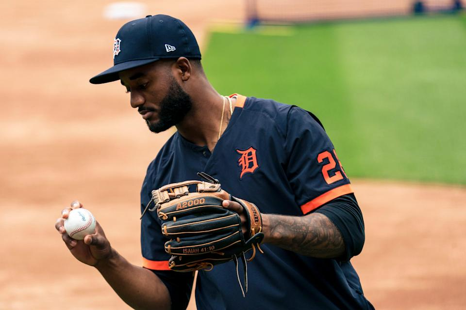 Niko Goodrum #28 of the Detroit Tigers warms up before the game against the Kansas City Royals at Kauffman Stadium on May 21, 2021 in Kansas City, Missouri. (Photo by Kyle Rivas/Getty Images)