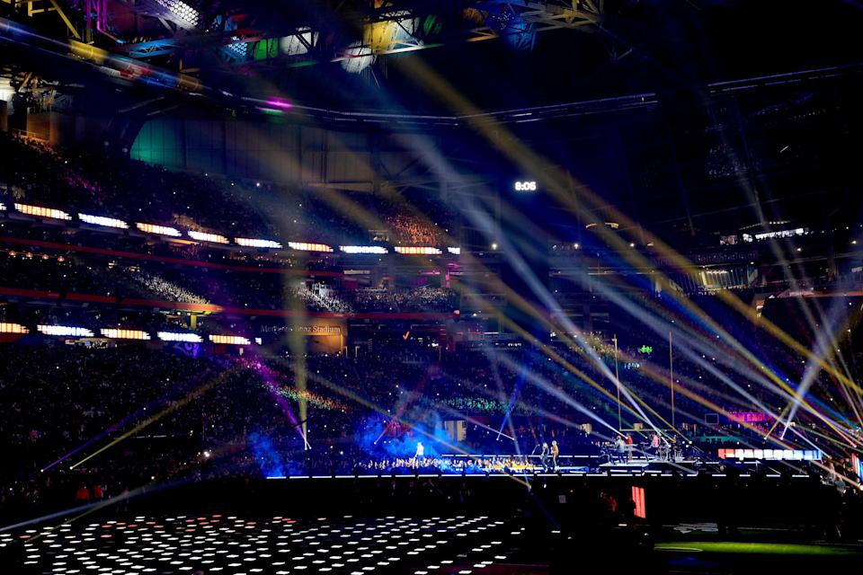 <p>A general view as Maroon 5 performs during the Pepsi Super Bowl LIII Halftime Show at Mercedes-Benz Stadium on February 3, 2019 in Atlanta, Georgia. (Photo by Mike Ehrmann/Getty Images) </p>