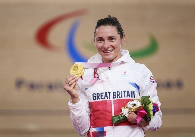 Sarah Storey with her gold medal