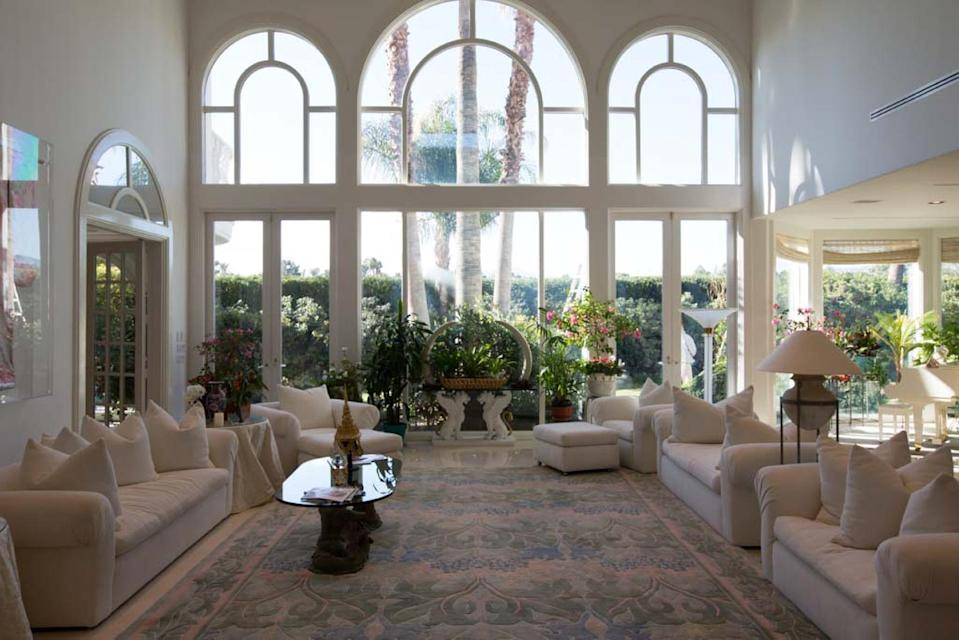 This Thursday, Dec. 12, 2013 photo shows the great room of Jack and Laura Sommer's Spanish Trail neighborhood home in Las Vegas. Jack Sommer, a casino owner-turned-commercial developer, is asking $7.85 million to sell a Las Vegas home, and he's willing to accept the online currency bitcoin for the deal. (AP Photo/Las Vegas Review-Journal, Alex Federowicz)