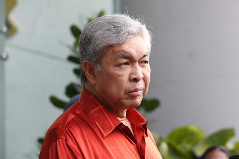 Datuk Seri Ahmad Zahid Hamidi said Umno strongly oppose any efforts by the government to allow Muslims to practice or spread the Shiah ideology in Malaysia. — Picture by Azinuddin Ghazali