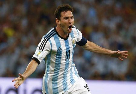Argentina's Lionel Messi celebrates scoring a goal against Bosnia during their 2014 World Cup Group F soccer match at the Maracana stadium in Rio de Janeiro June 15, 2014. REUTERS/Michael Dalder