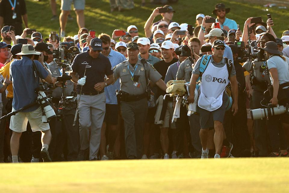 Phil Mickelson's final walk to the 18th green at the 2021 PGA Championship