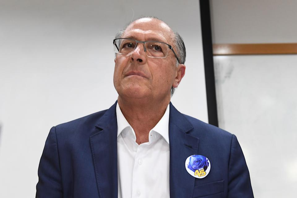 Brazil's presidential candidate for the Brazilian Social Democratic Party (PSDB) Geraldo Alckmin attends a PSDB meeting in Brasilia, on October 09, 2018, to discuss whether to support Jair Bolsonaro or Fernando Haddad in the October 28 presidential run-off election. (Photo by EVARISTO SA / AFP)        (Photo credit should read EVARISTO SA/AFP via Getty Images)
