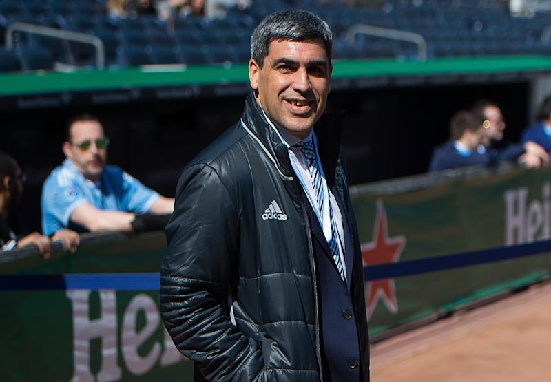 Gio Reyna is the son of former USMNT star Claudio Reyna (pictured) and USWNT star Danielle Egan. (Photo by Michael Stewart/Getty Images)