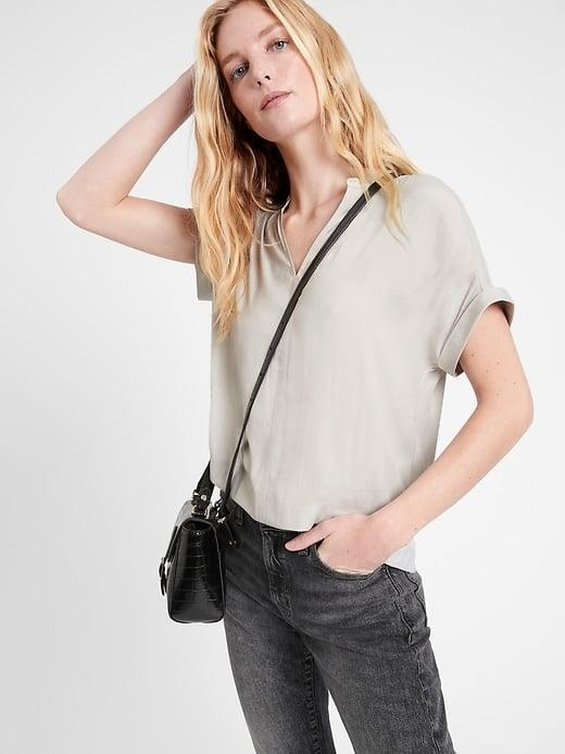 <p>This <span>Banana Republic Swing Popover Top</span> ($29-$45, originally $65) offers a truly easy, breezy style. </p>
