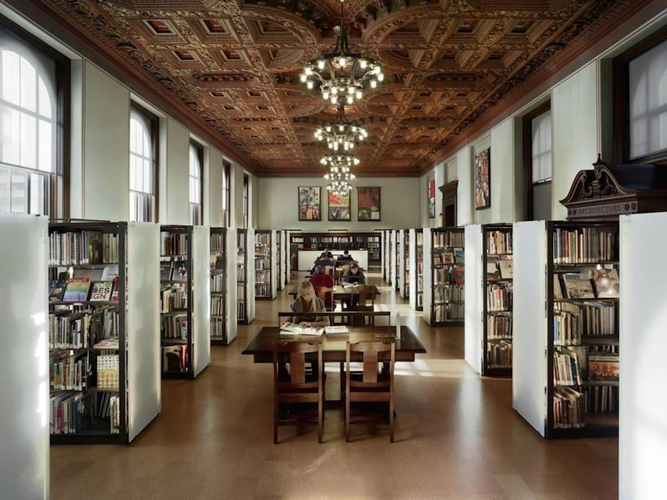 """<div class=""""inline-image__caption""""><p>One of the library's reading rooms.</p></div> <div class=""""inline-image__credit"""">Tracy Thomas / Alamy</div>"""