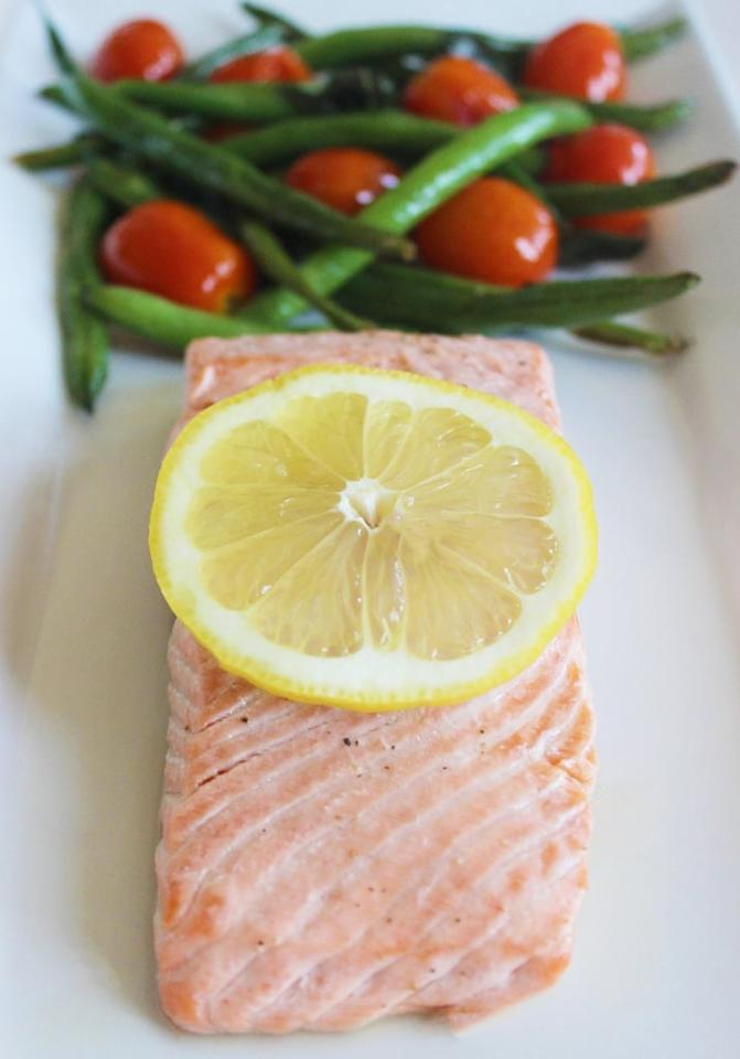 "<p>This salmon recipe is super high in protein and nutrients and will be ready in just 15 minutes.</p> <p><strong>Get the recipe:</strong> <a href=""https://www.popsugar.com/fitness/Easy-Salmon-Recipe-37282617"" class=""ga-track"" data-ga-category=""Related"" data-ga-label=""https://www.popsugar.com/fitness/Easy-Salmon-Recipe-37282617"" data-ga-action=""In-Line Links"">roasted salmon</a></p>"