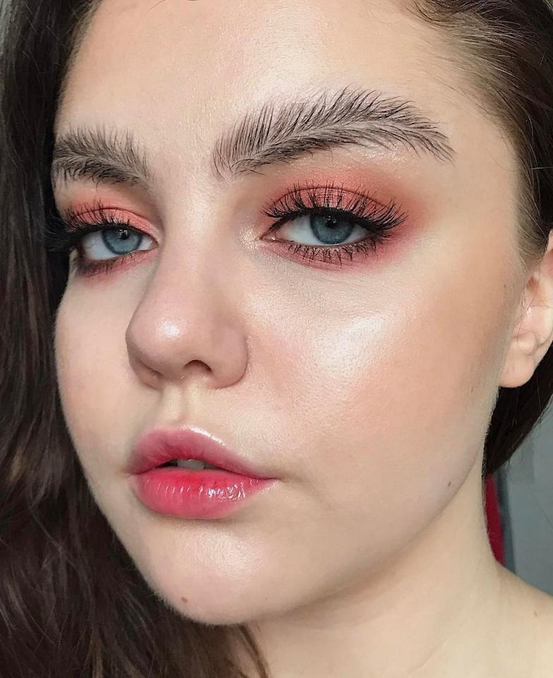 "<p>Incredibile ma vero: la nuova follia targata Instagram sono le cosiddette ""feather brows"". </p>"