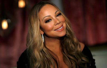 """Recording artist Mariah Carey poses for a portrait while promoting her documentary series """"Mariah's World"""" in Los Angeles, California U.S., November 18, 2016.   REUTERS/Mario Anzuoni"""