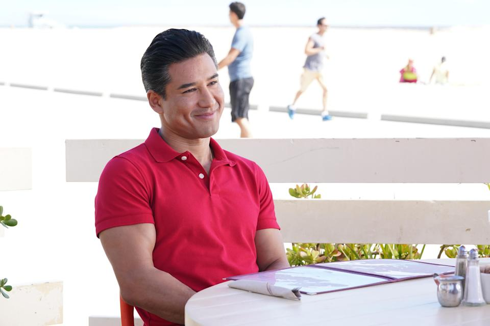 """SAVED BY THE BELL -- """"1-900-Crushed"""" Episode 203 -- Pictured: Mario Lopez as A.C. Slater -- (Photo by: Evans Vestal Ward/Peacock)"""